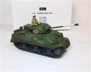 Britains #17496B Sherman M4A1 Tank