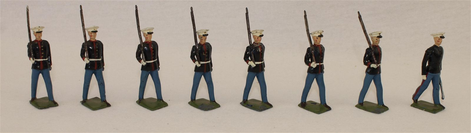 Britains Set 228 US Marine Corps with Officer