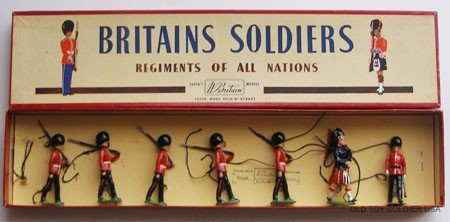 13: Britains Set # 75 Scots Guards, Officer, Piper with