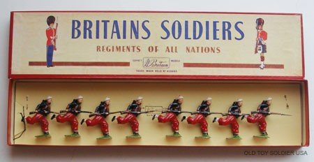 22: Britains Set # 142 French Zouaves Charging - Box
