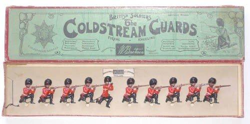 15: Britains Set # 120 Coldstream Guards Kneeling
