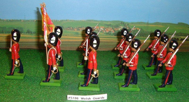 14: Britains Set # 5186 Welsh Guards (Taffs)