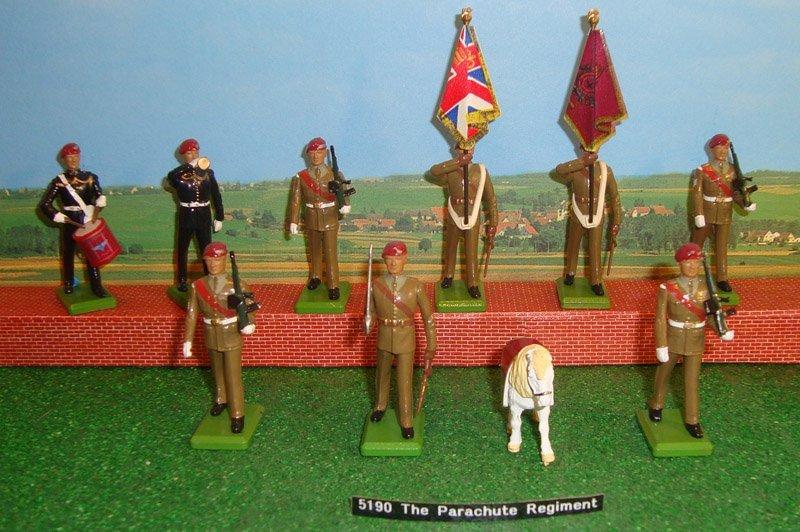 19: Britains Set # 5190 The Parachute Regiment