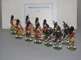 Ducal Soldiers Gordon Highlanders Drums & Piper