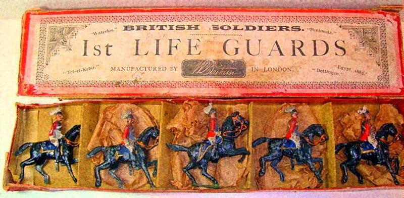 2001: Britains Set # 1 RARE The Life Guards
