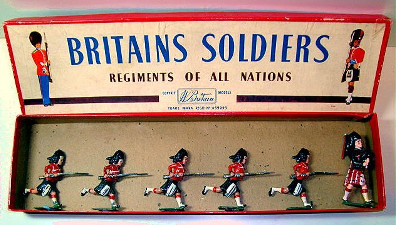 2007: Britains Set # 11 The Black Watch Charging