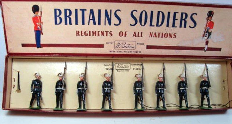 2020: Britains Set # 35 Royal Marines at Slope