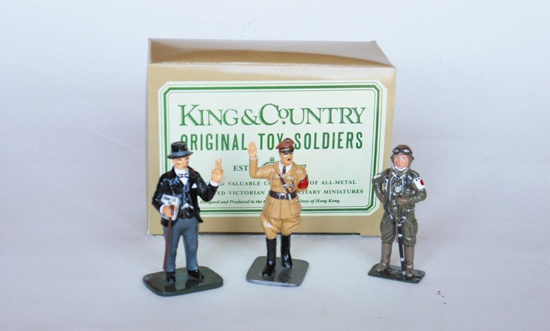 3087: King and Country Gloss