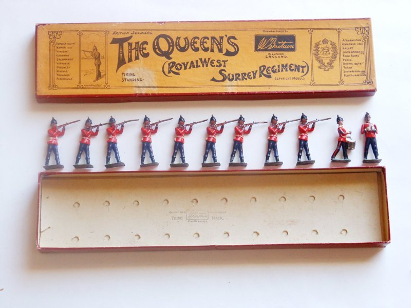 Britains Set # 121 Queens Royal West Sussex Regiment