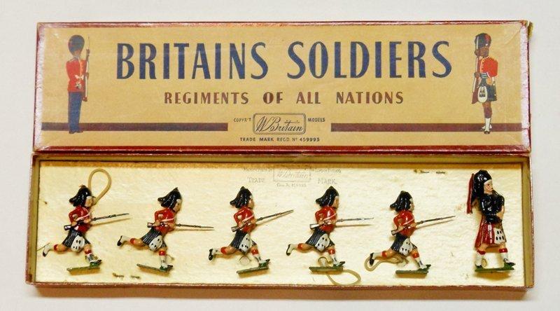 Britains Set # 11 Black Watch Charging