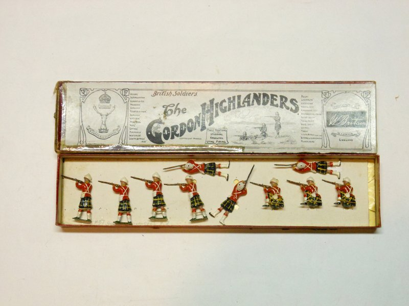 Britains Set # 137 Gordon Highlanders Firing