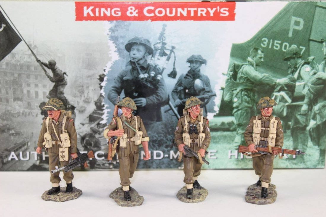 King and Country WWII DD64