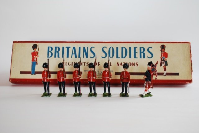 Britains Set #75 Scots Guards with Piper