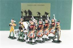 Frontline Figures Highland Pipes And Drums