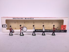 Britains Set #9154 Band Of The Fort Henry Guard