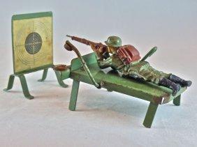 Kibri Cap Firing Shooting Range+1 German Soldier