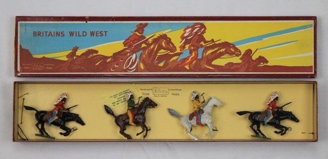 Britains Set #152 North American Indians Mounted