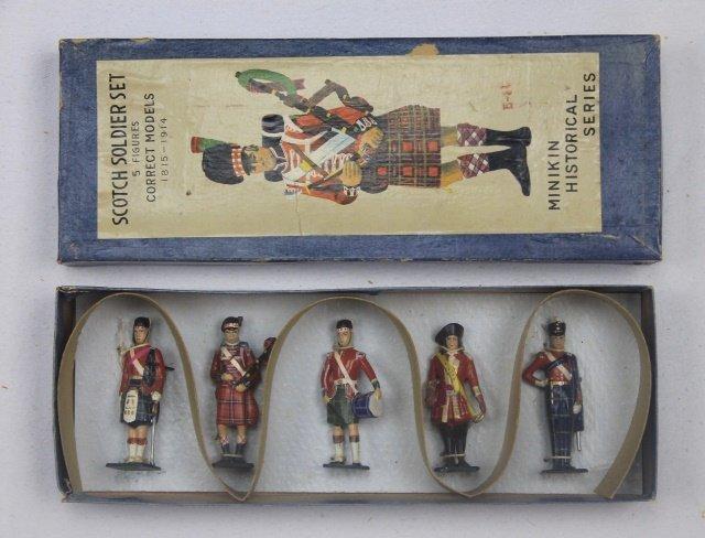 Minikin Japan Scottish Soldier Set