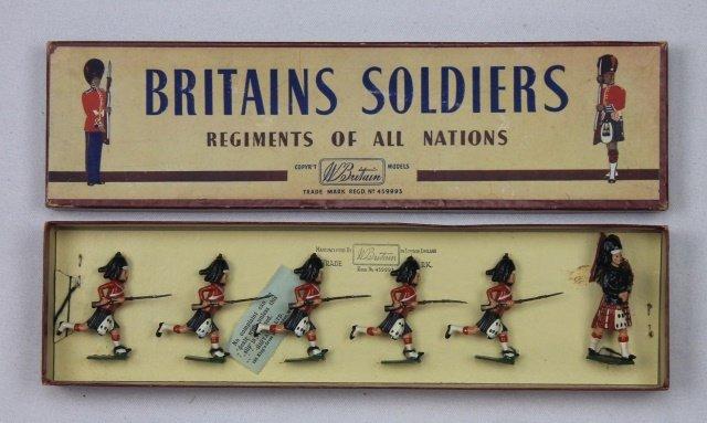 Britains Set #11 Black Watch Charging
