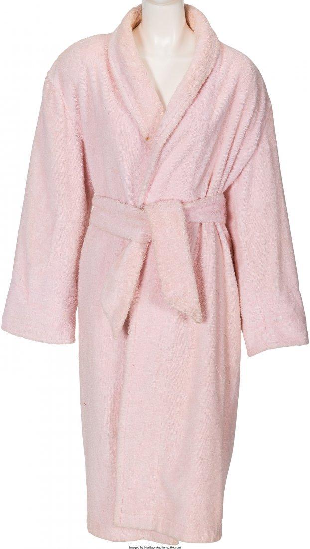 89014: A Farrah Fawcett Bath Robe, Circa 1980s. Pink te