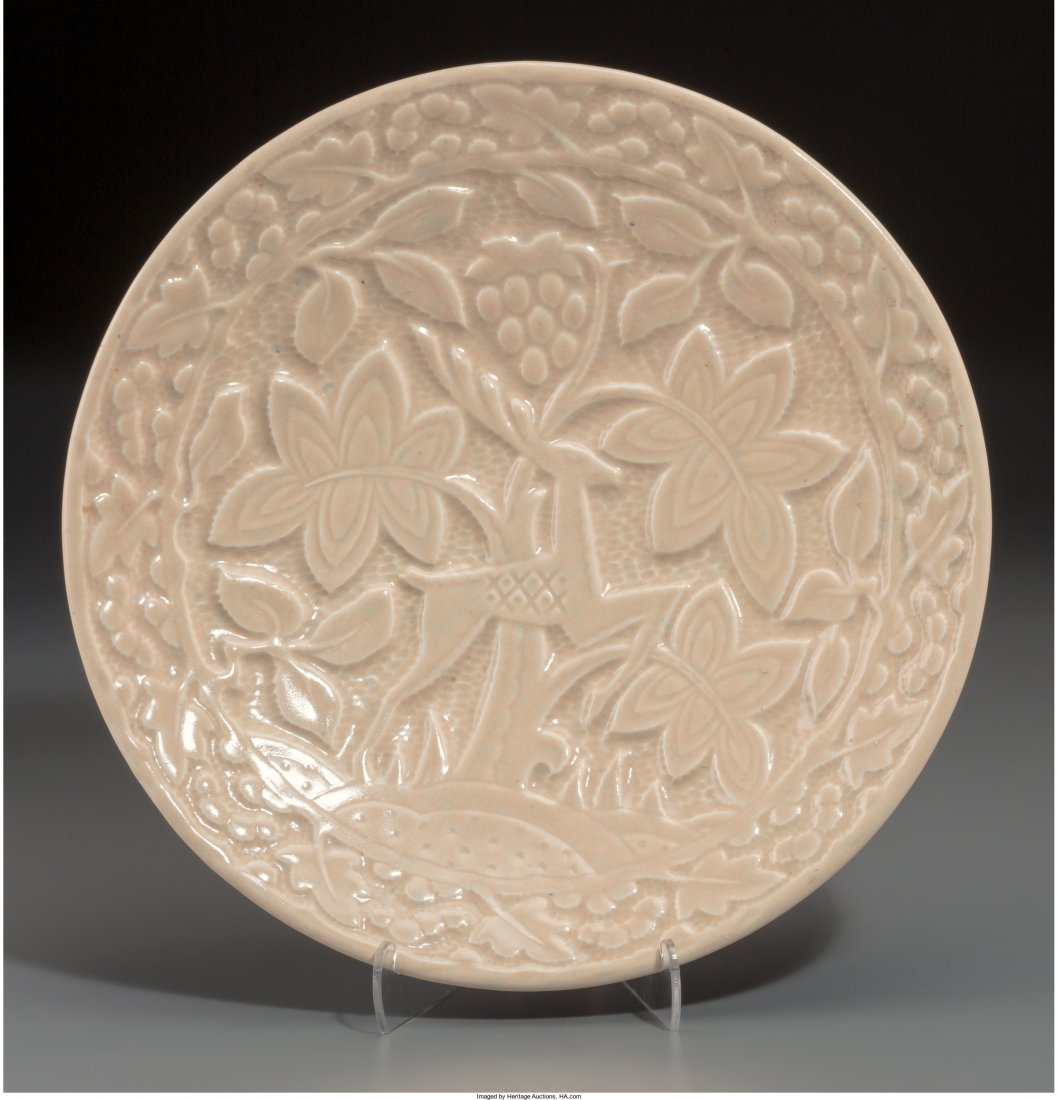 65480: A Crown Devon Creamware Wall Charger, 20th centu