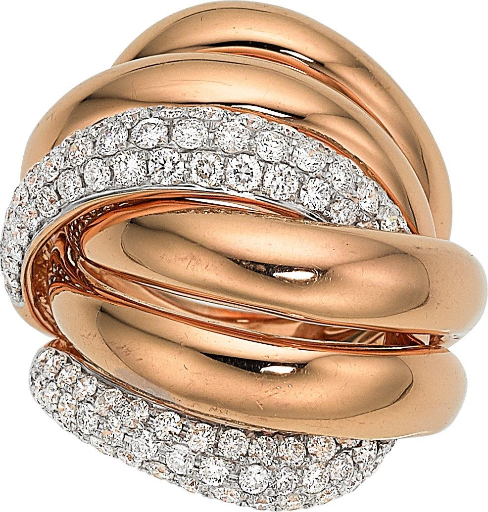 55007: Diamond, Rose Gold Ring  The ring features full-
