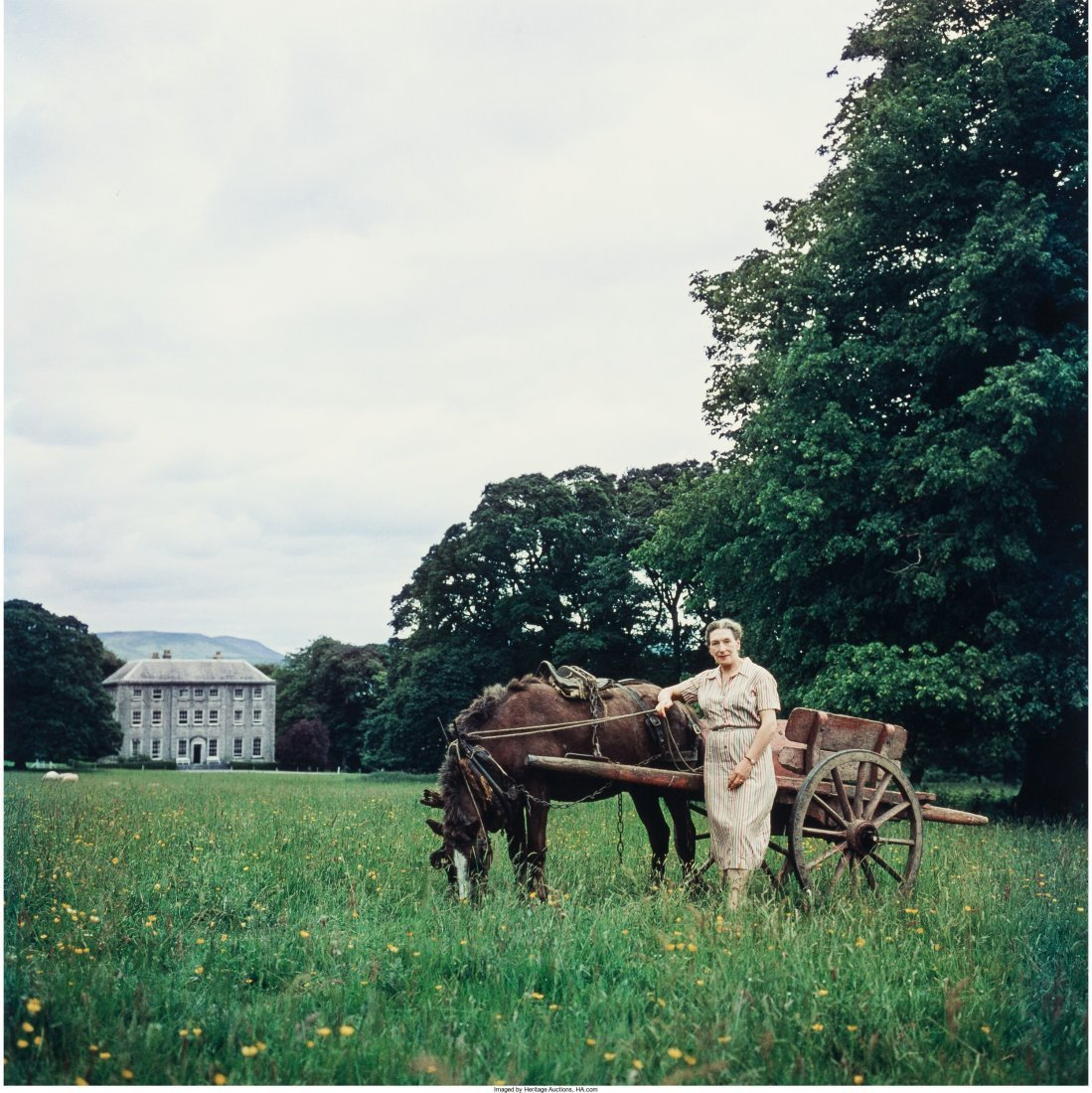 11001: Slim Aarons (American, 1916-2006) Elizabeth Bowe