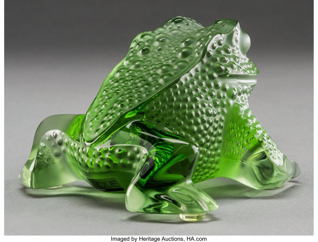 62301: A Lalique Green Frosted Glass Frog, post-1945 Ma - 2