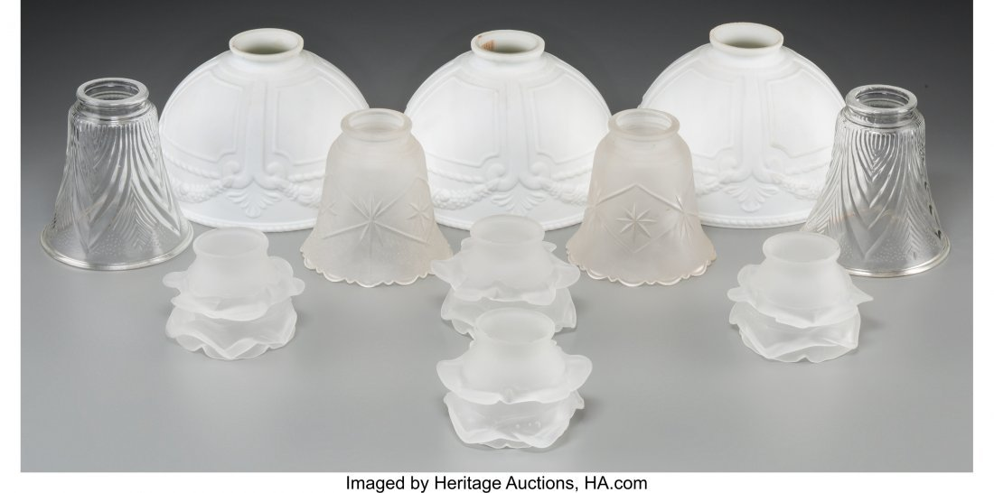 62306: A Group of Eleven Miscellaneous Glass Shades 5 i