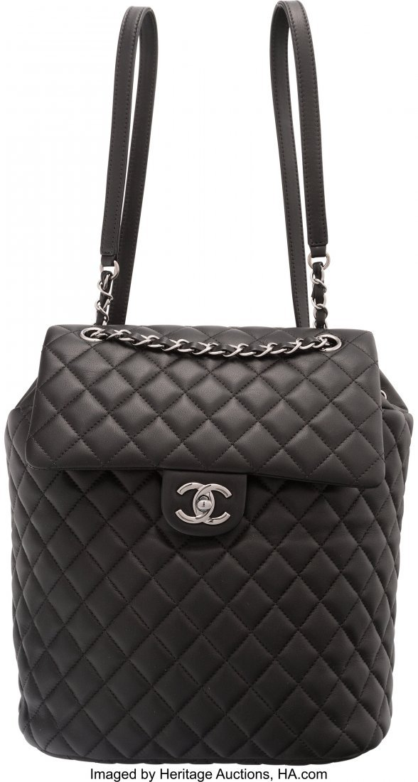 58026: Chanel Black Lambskin Leather Classic Quilted Ur