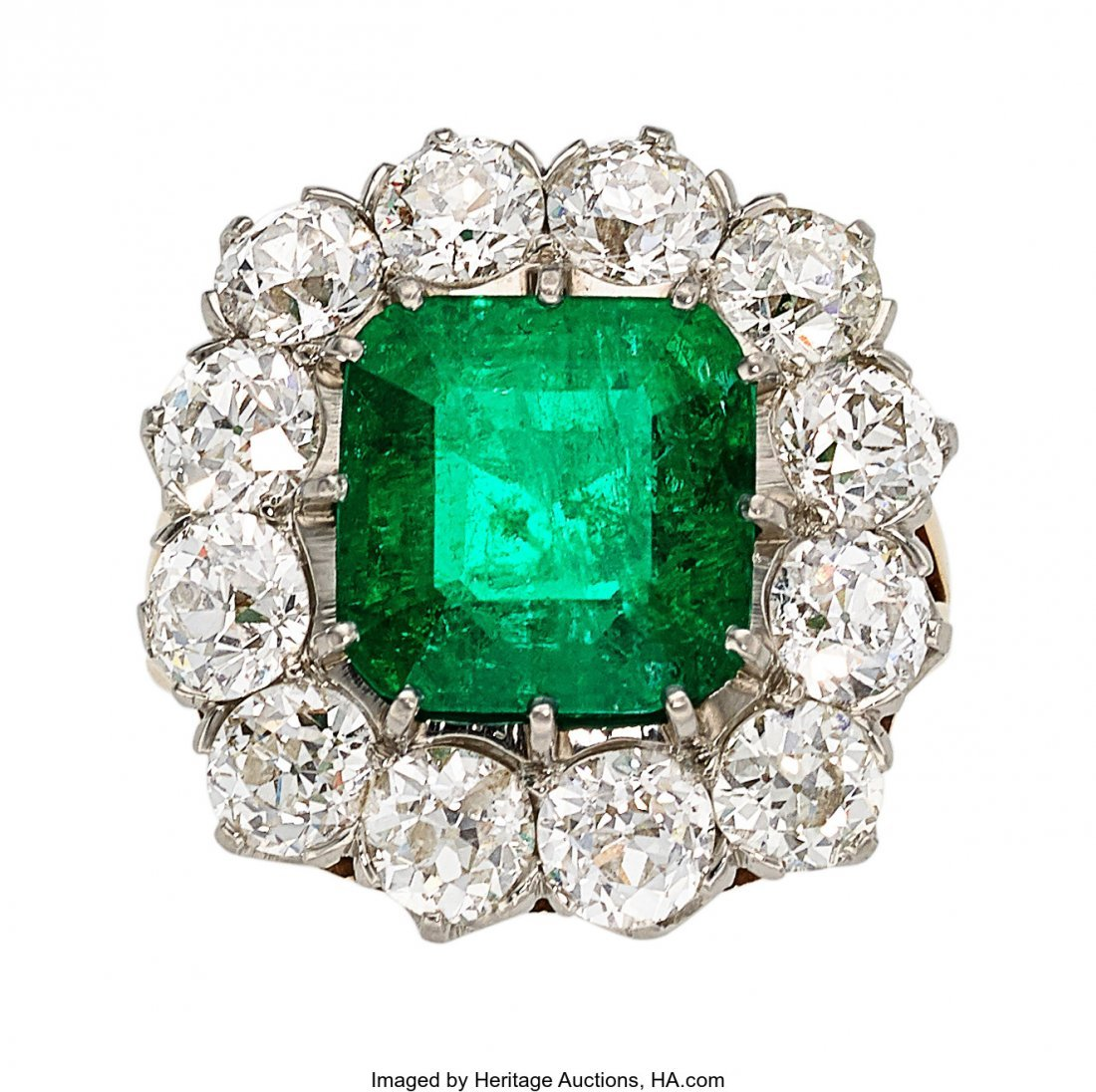 55205: Colombian Emerald, Diamond, Platinum, Gold Ring