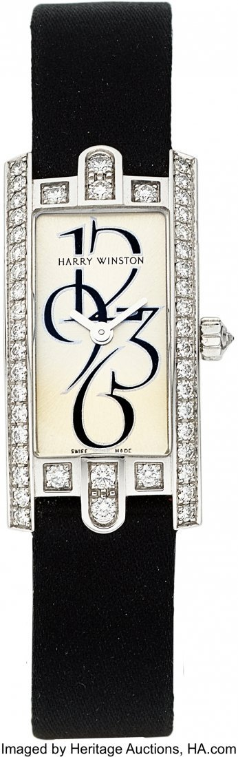 55126: Harry Winston Lady's Diamond, White Gold Avenue