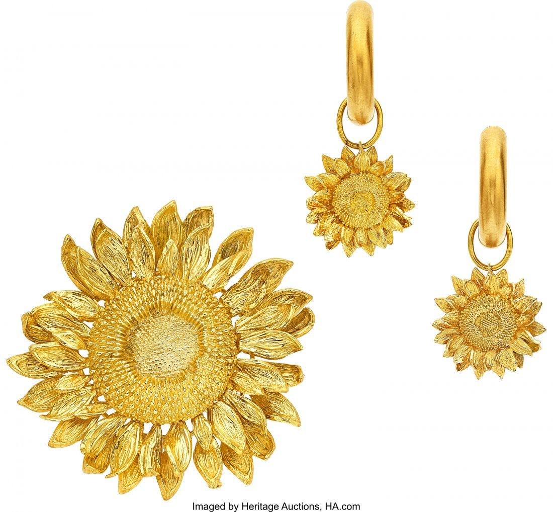 55044: Gold Jewelry Suite, Asprey  The 18k gold sunflow