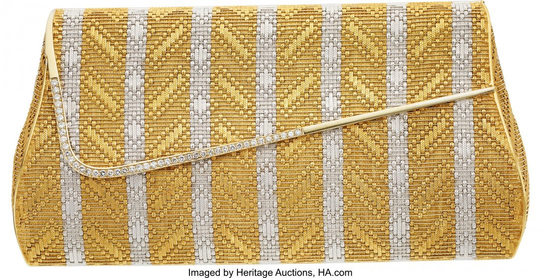 55256: Diamond, Gold Purse  The purse features full-cut