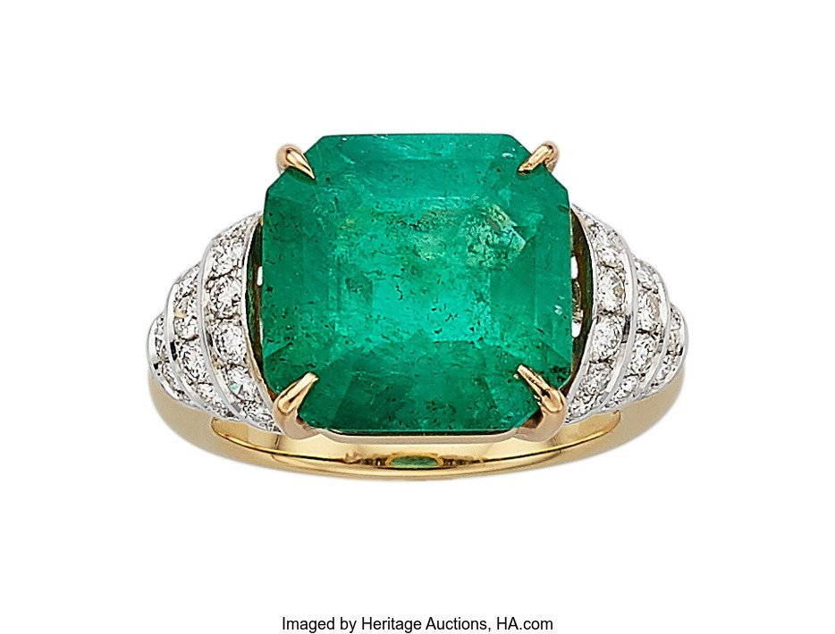 55258: Colombian Emerald, Diamond, Gold Ring  The ring
