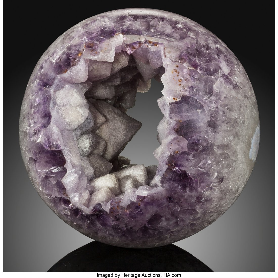 72062: Amethyst Sphere Stone Source: Rio Grande do Sul,