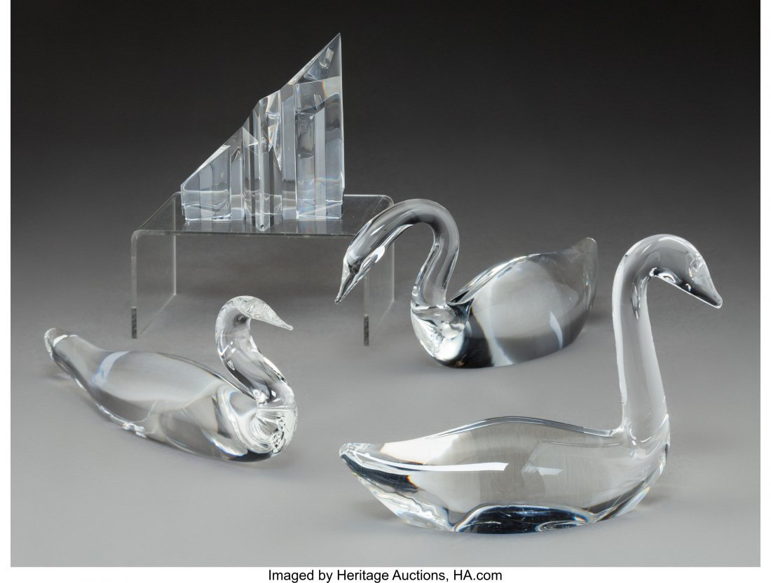 79292: Four Steuben Clear Glass Swans with Star Paperwe