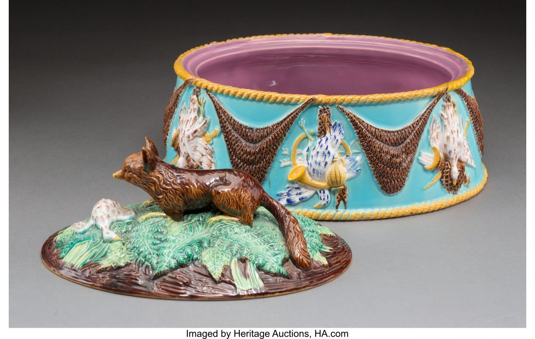 61096: A George Jones Majolica Covered Games Dish with  - 2