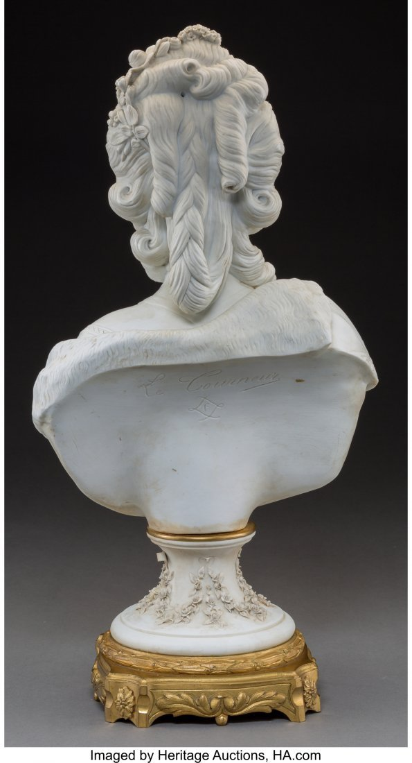 61455: A Sevres-Style Bisque Porcelain Bust of Marie An - 2