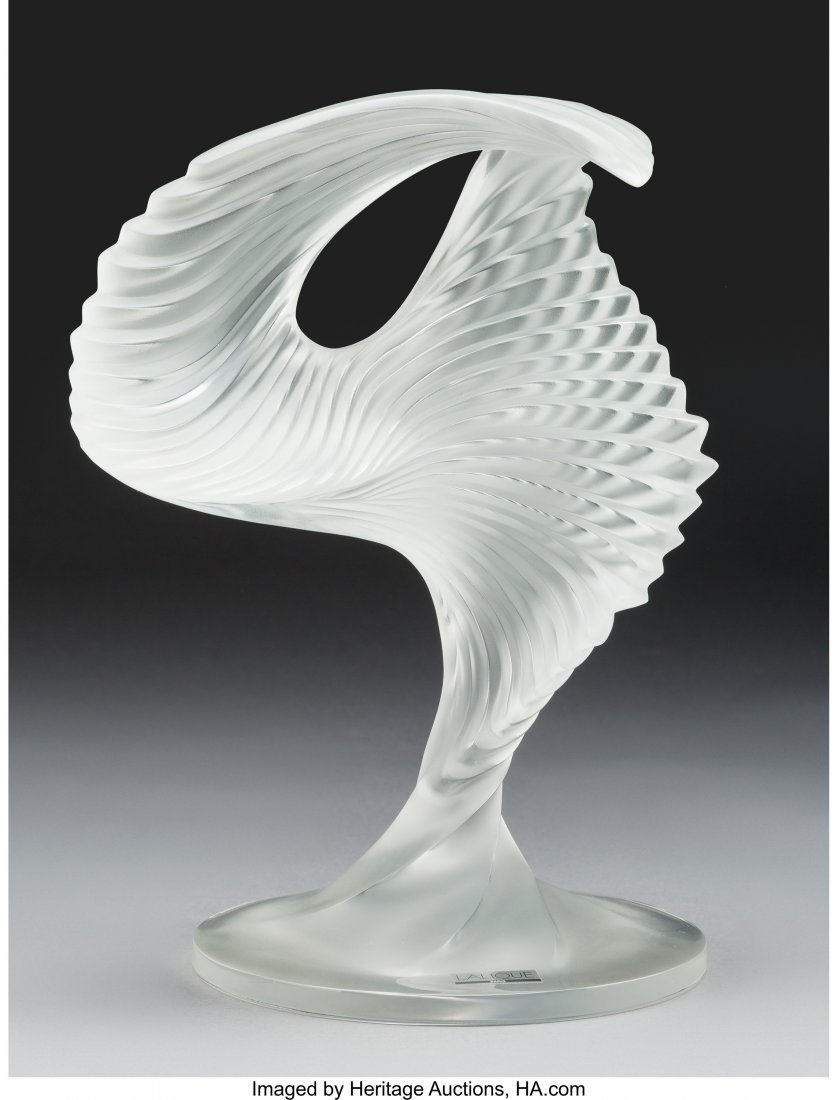 61620: A Lalique Clear and Frosted Glass Trophée Sculp