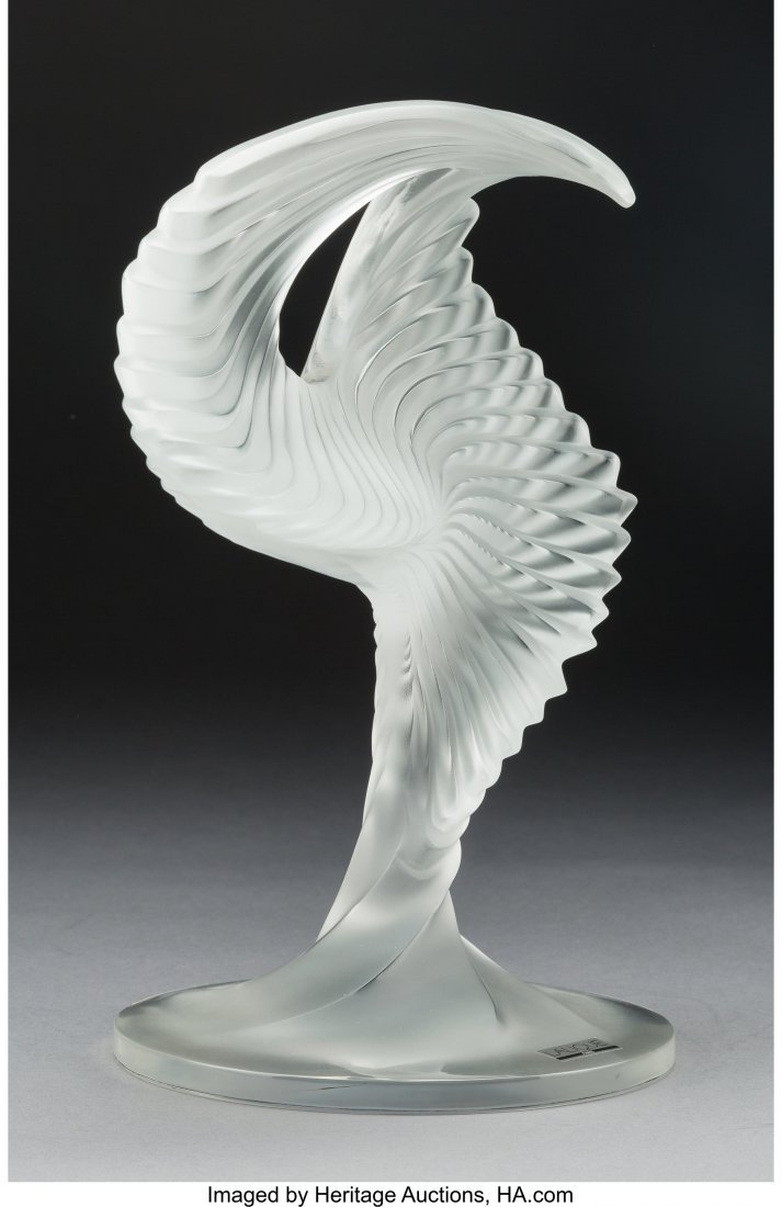 61620: A Lalique Clear and Frosted Glass Trophée Sculp - 2