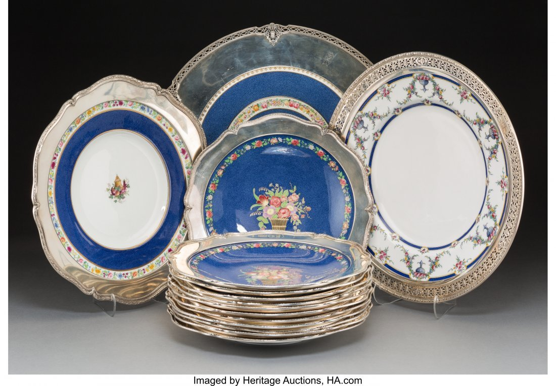 61825: A Fifteen-Piece Group of English Porcelain Plate