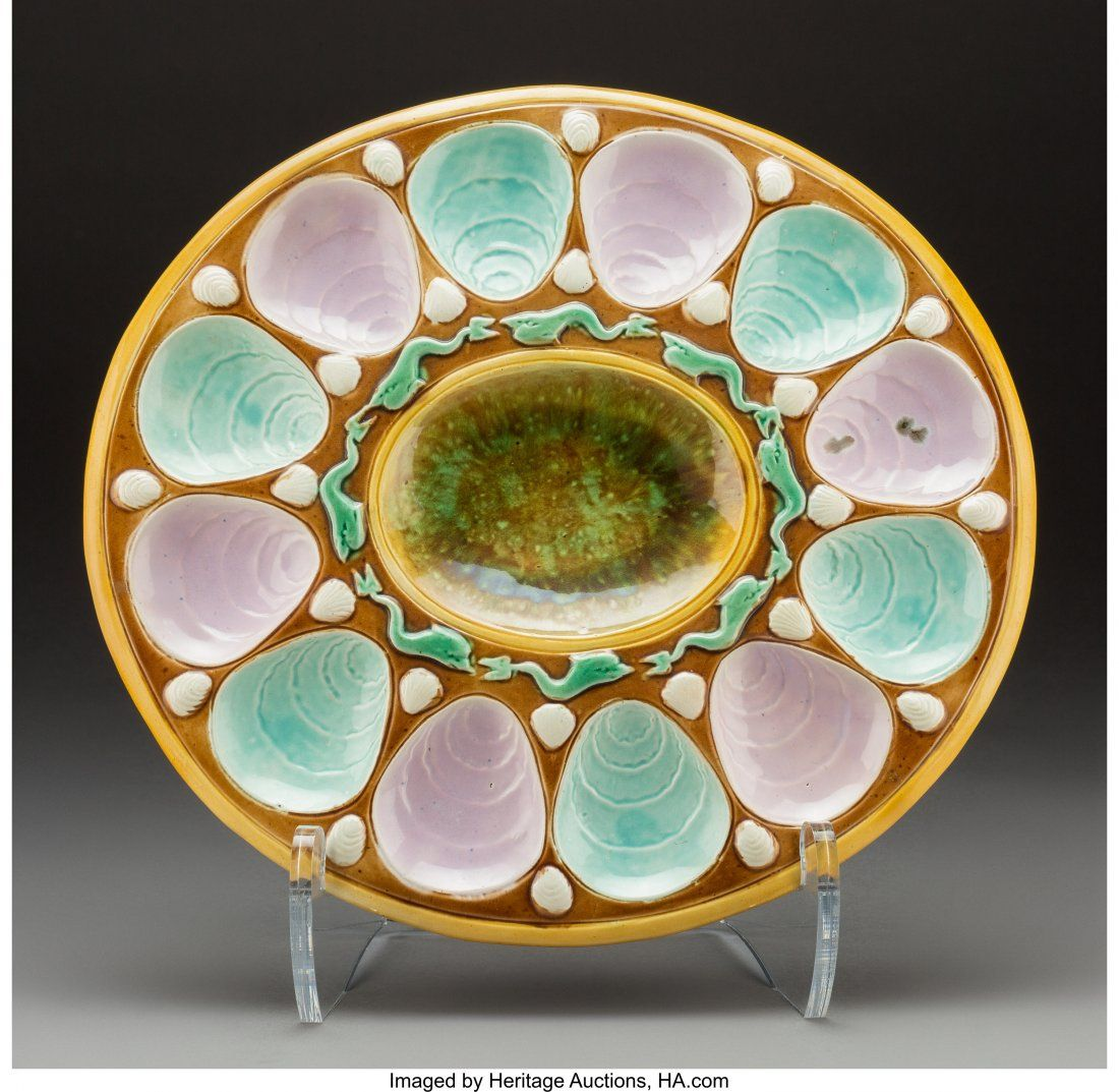 61759: A Large English Majolica Oyster Plate, circa 187