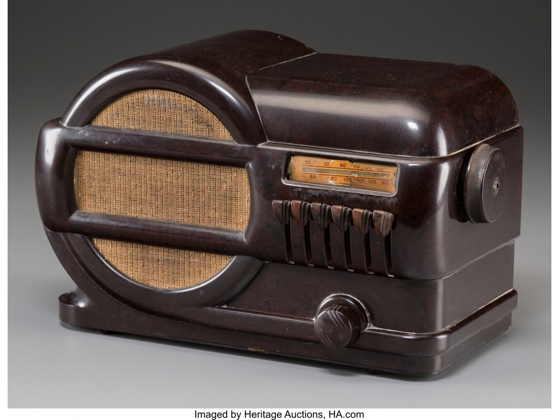62019: A Belmont 519 Bakelite AM Radio, circa 1939 6-5/