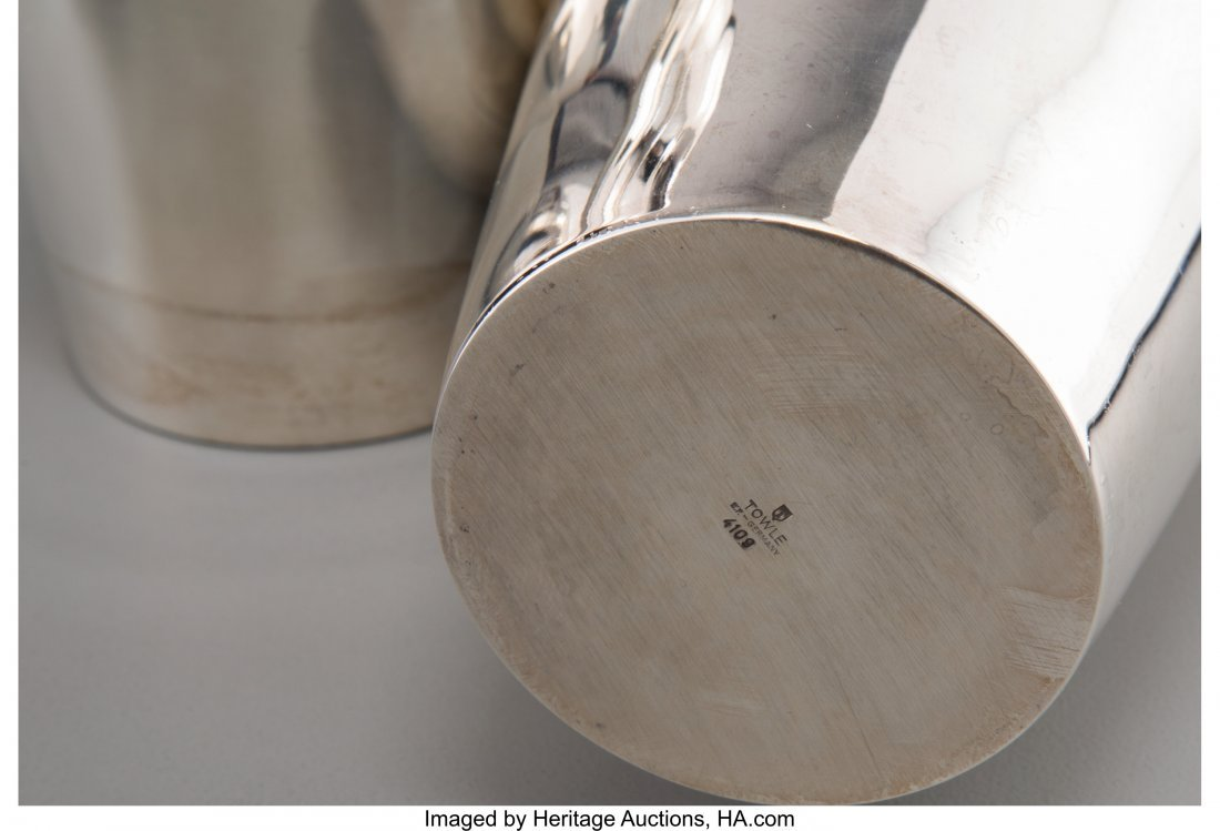 61975: A Towle Silver-Plated Cocktail Shaker, Newburypo - 3