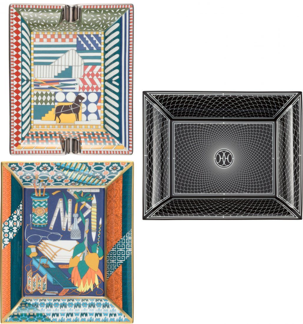 58053: Hermes Set of Three Trays Condition:1 Ash Tray: