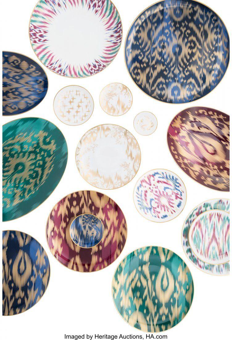 58054: Hermes Set of 223; Voyage en Ikat Porcelain Tabl