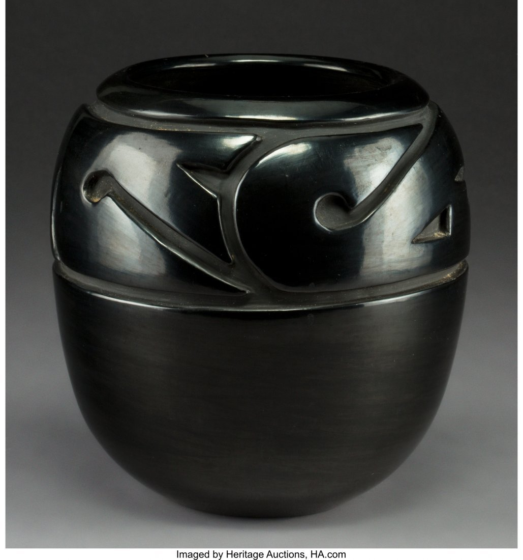 70102: A Santa Clara Carved Blackware Jar Mela Youngblo
