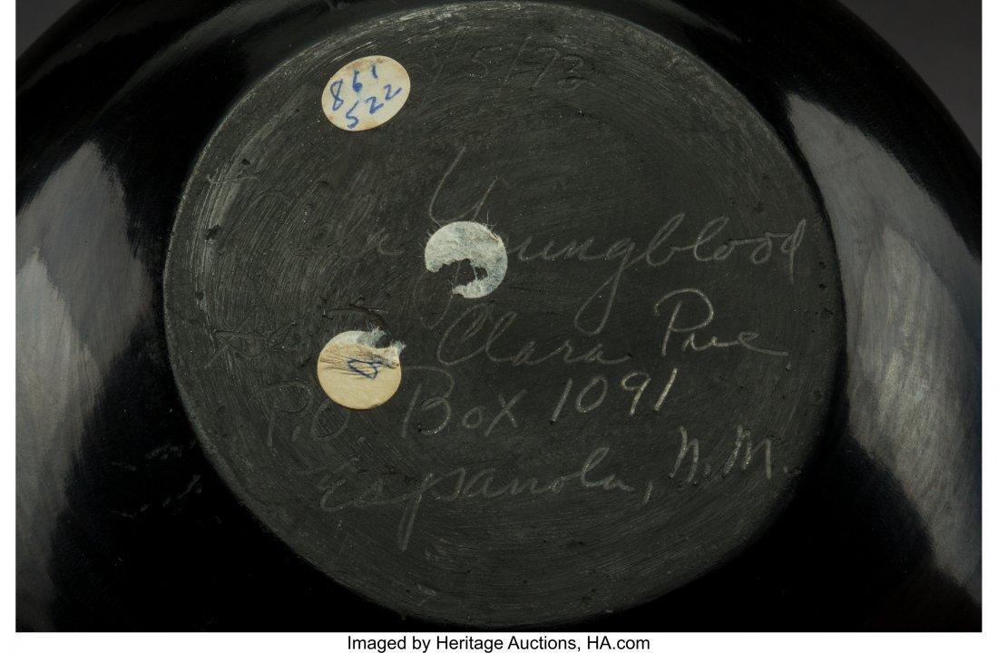 70102: A Santa Clara Carved Blackware Jar Mela Youngblo - 2