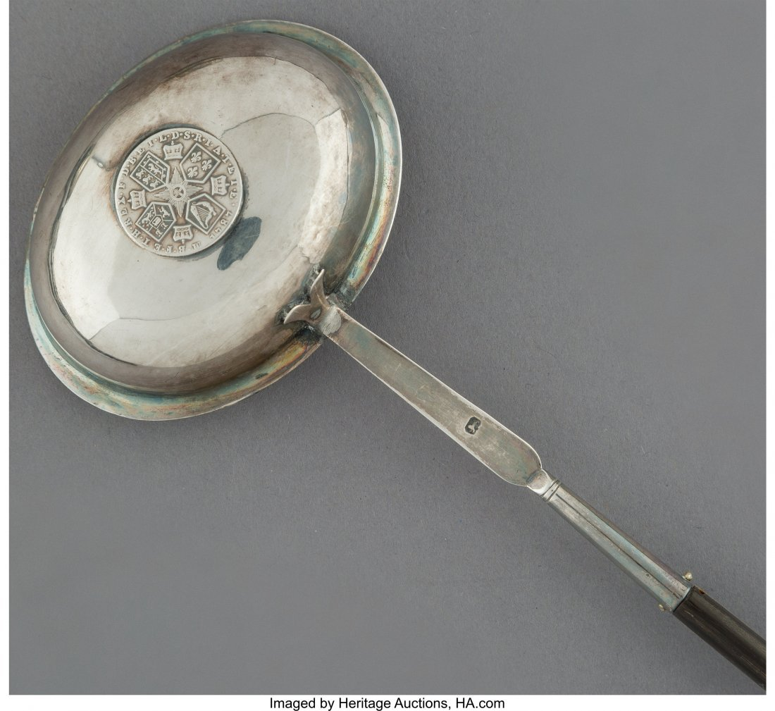64224: Six English Wood and Silver Toddy Ladles, 18th c - 3